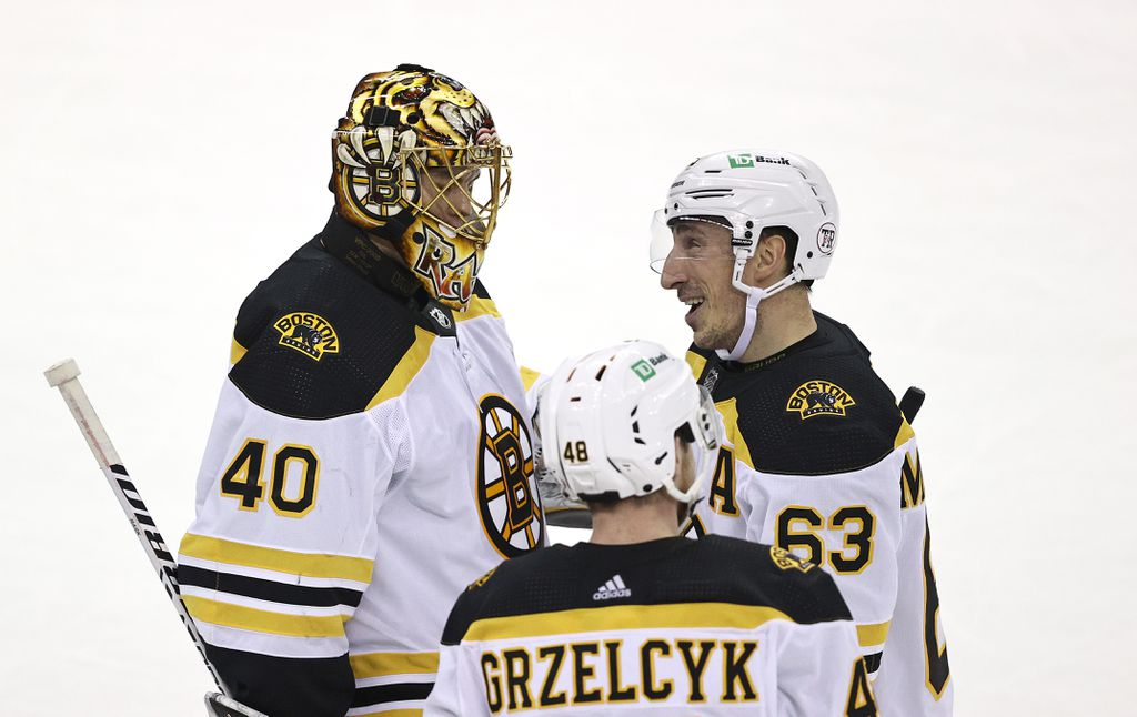Bruce Cassidy takes time to teach Bruin youngsters
